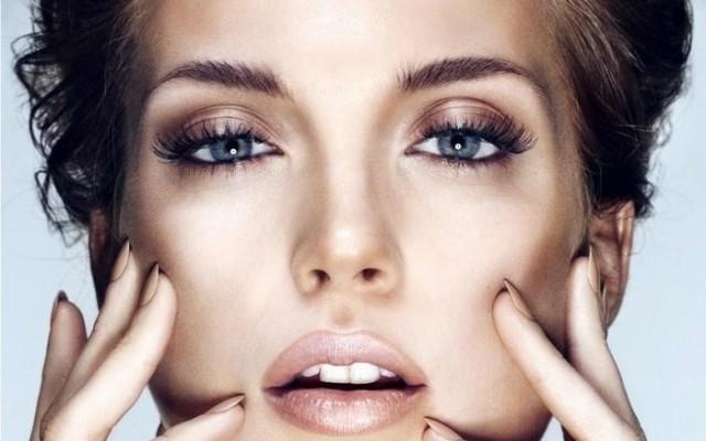 Augen-Make-up mit Automatic Eye Pencil Duo von Estee Lauder.