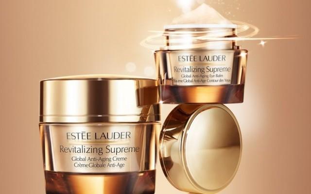 Vielseitige Creme Revitalizing Supreme von Estee Lauder. Die Kosmetikserie Revitalizing Supreme.