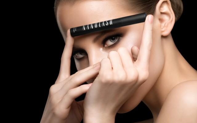 Drei Methoden der Augenverschönerung: künstliche Wimpern, semipermanente Mascara und Wimpernseren. Wählen Sie die beste. Testergebnisse von Nanolash