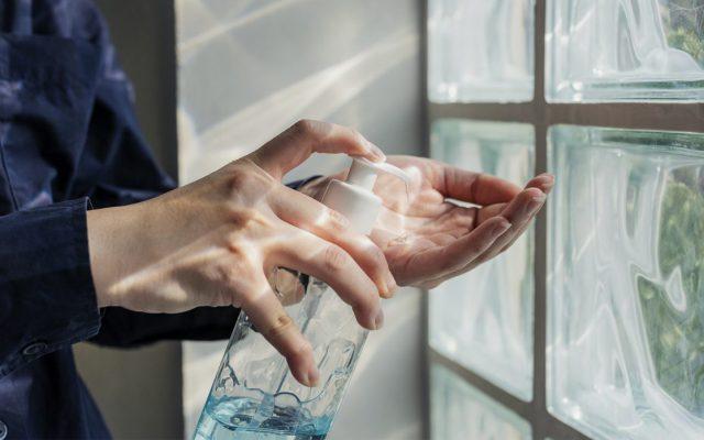Trockene Hände durch Desinfektionsmittel. Was ist zu tun?